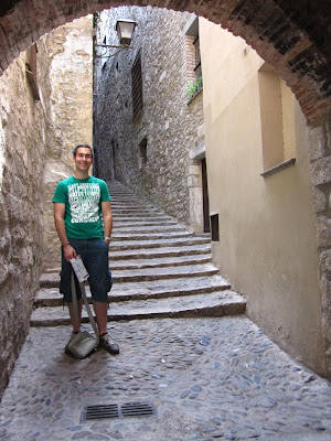 Sant Llorenç street inside the Call Jueu in Girona