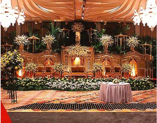 Wedding decoration april 2011 jakarta wedding decoration altar junglespirit