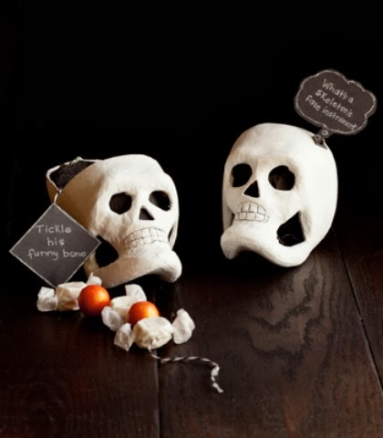 Halloween Crafts | Funny Bone Skull Favors | Confetti Pop via Sweet Tooth