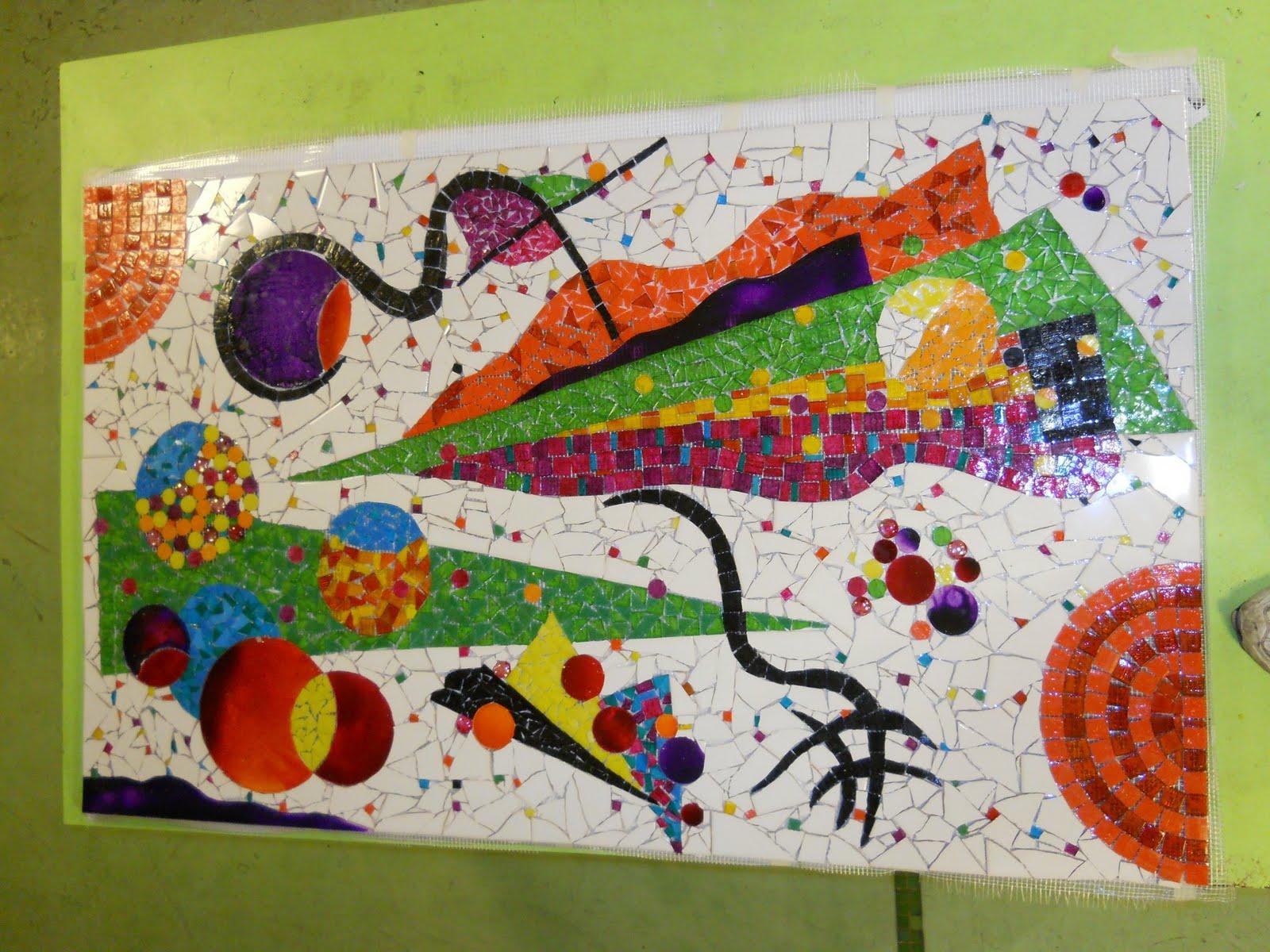 Centro del mosaico contempor neo mural hecho en malla en for El mural de mosaicos