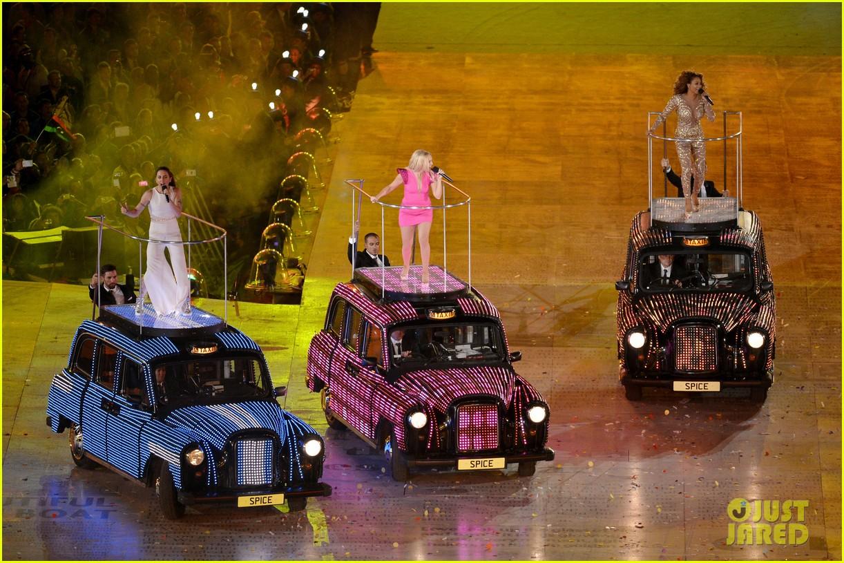 http://1.bp.blogspot.com/-x9CqlXxjU58/UCpXWJBAN3I/AAAAAAAAAGg/UDFJkk7jF5c/s1600/Spice+Girls+Olympics+Closing+Ceremony06.jpg