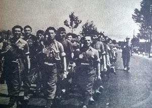 Reparto della Monterosa in marcia