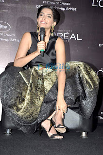 Sonam Kapoor launches L'oreal Sunset collections