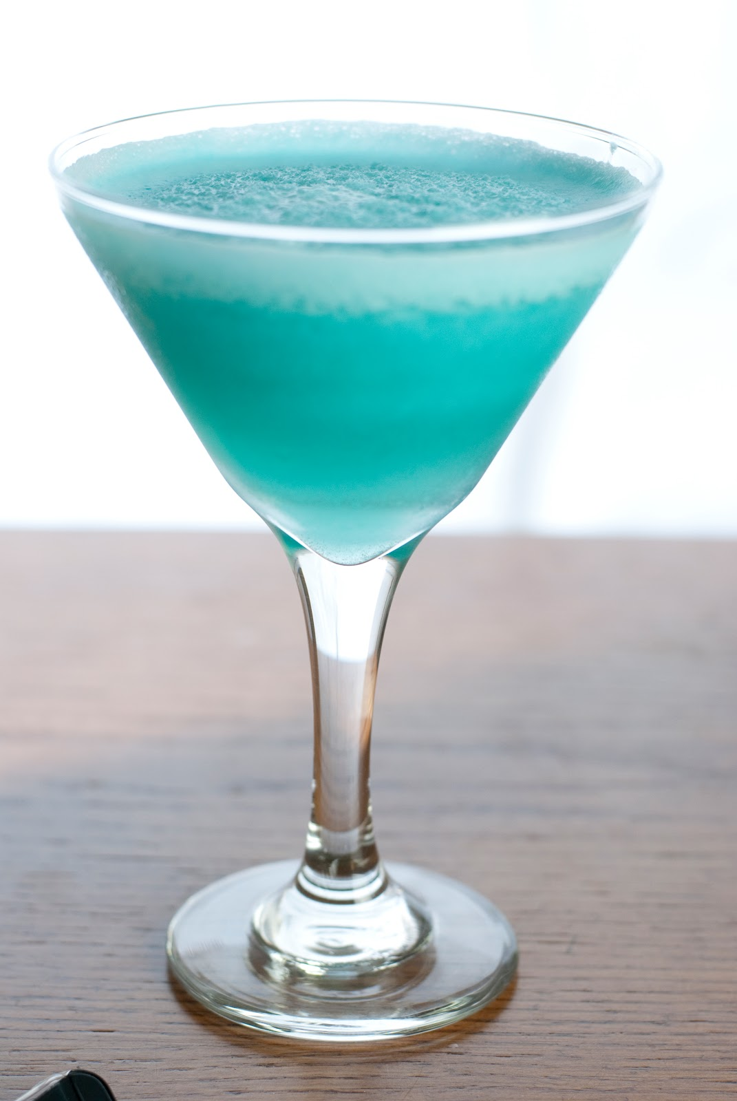 Blue hawaiian cocktail a year of cocktails for Cocktail curacao