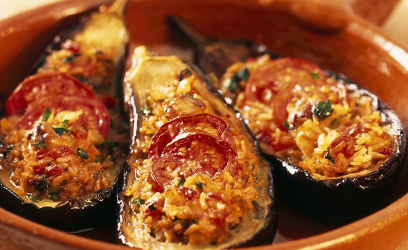 Surinaams eten gevulde boulanger heerlijke aubergine for Surinaamse keuken bara