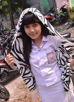 Foto Cewek SMP Seksi Cantik Terbaru 2013