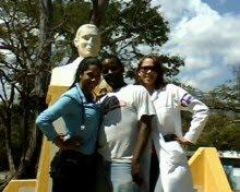 Las dos Reyna Dra.  Yasary Caraballo, Dra. Sanchez ( Niklaury)
