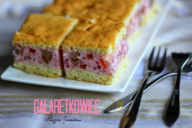 Galaretkowiec - tanie ciasto na biszkopcie.
