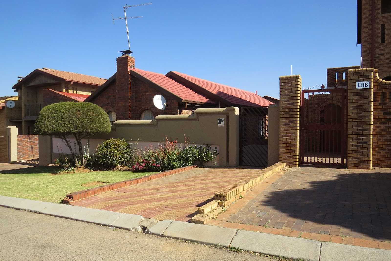 Dr phelan i presume soweto south africa s largest and for Best houses in south africa pictures