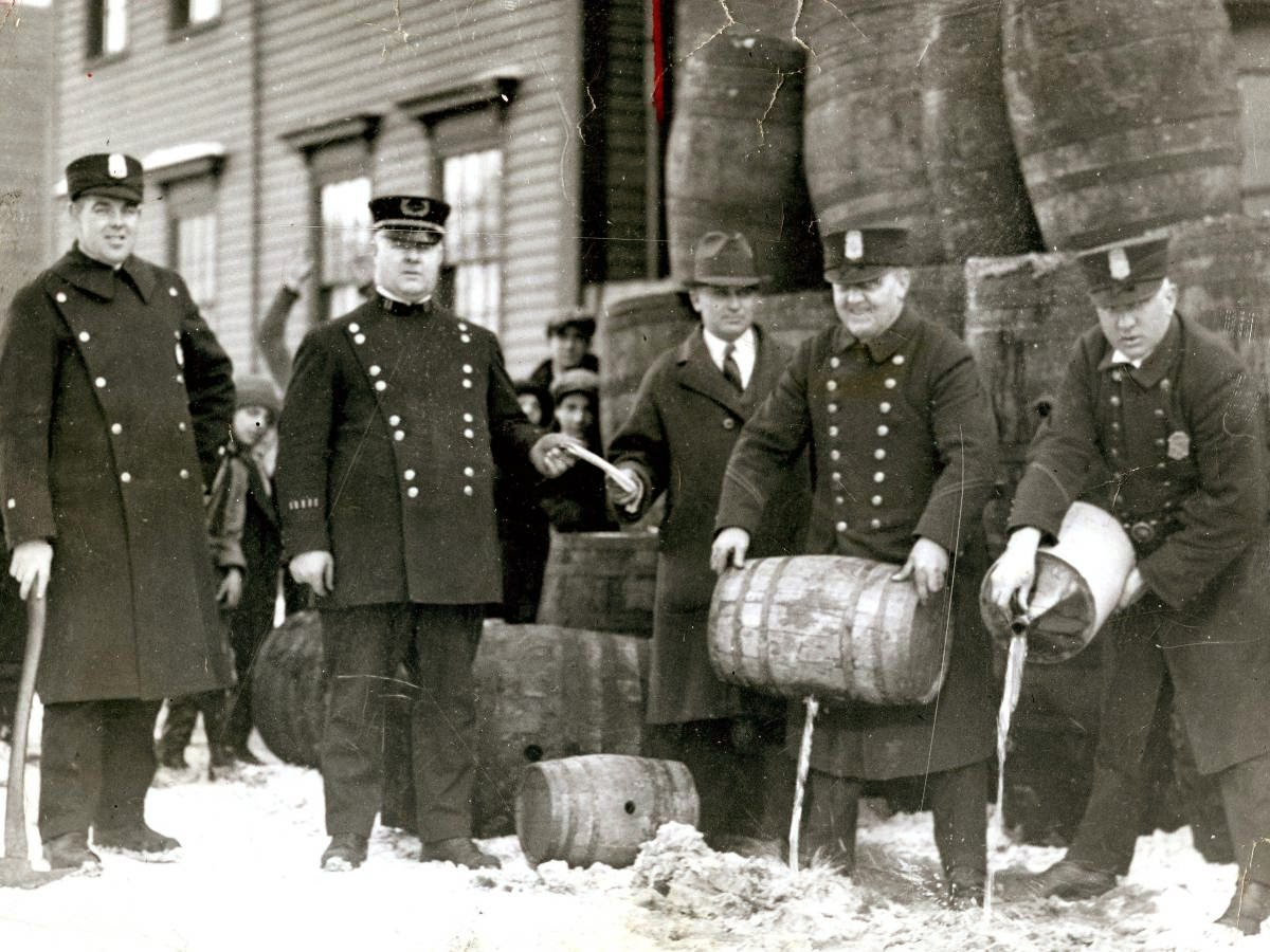 negative effects of prohibition in detroit The history of the automobile starting in the late 1700's, european engineers began tinkering with motor powered vehicles steam, combustion, and electrical motors had all been attempted by the mid 1800's.
