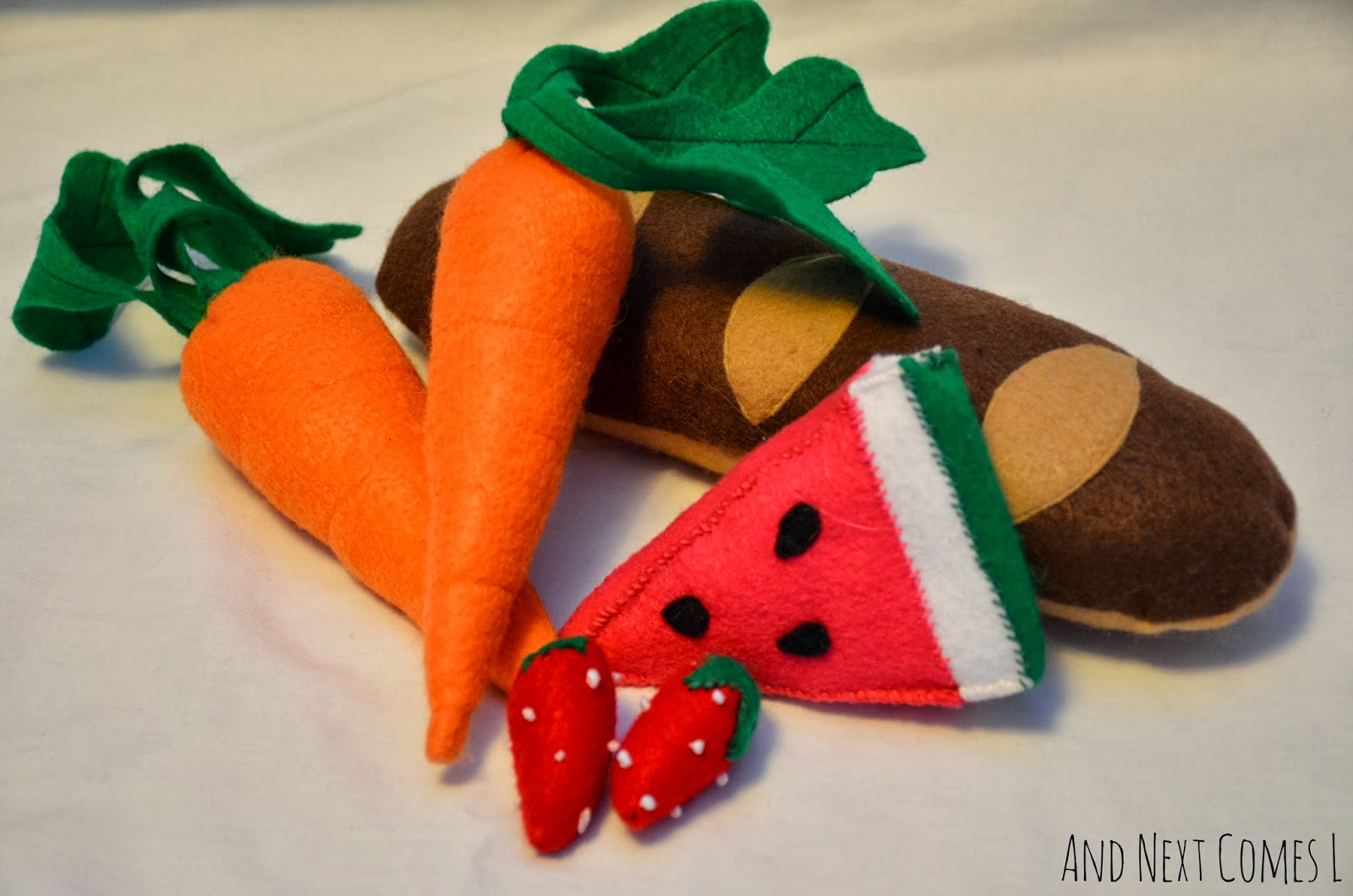 Felt play food: bread, fruit, and vegetables - includes links to tutorials from And Next Comes L