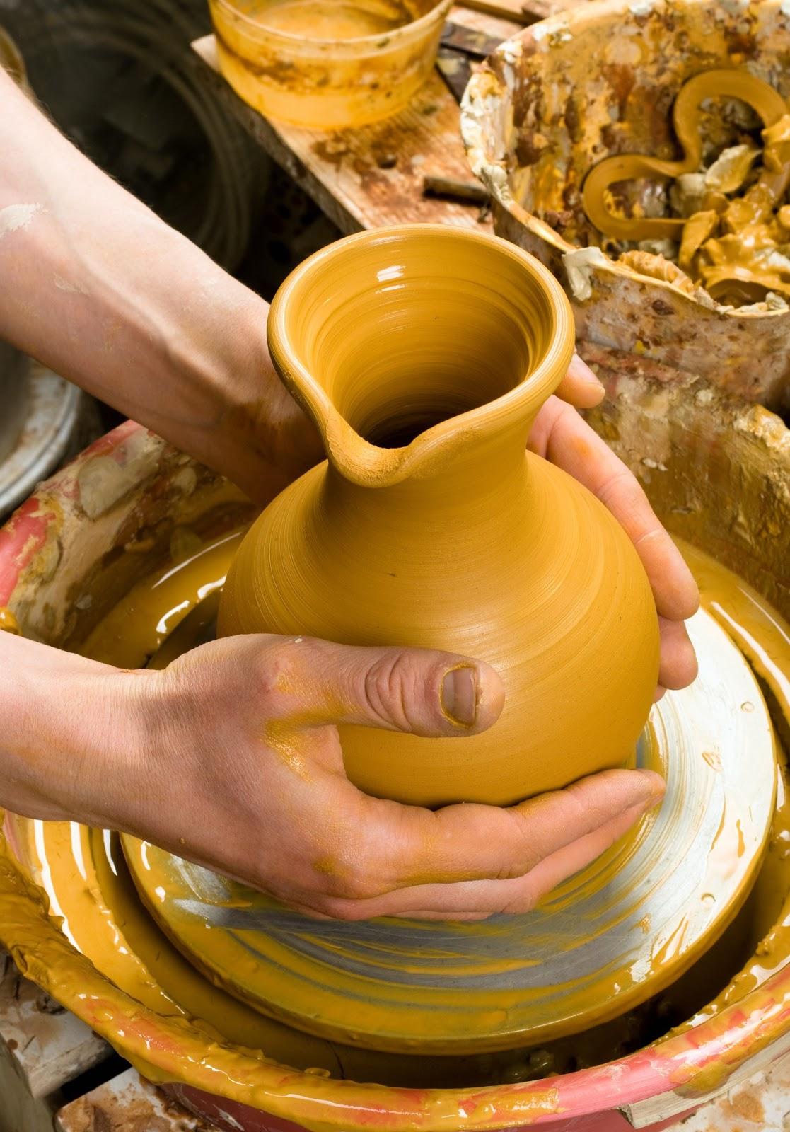 Как сделать из глина кувшин
