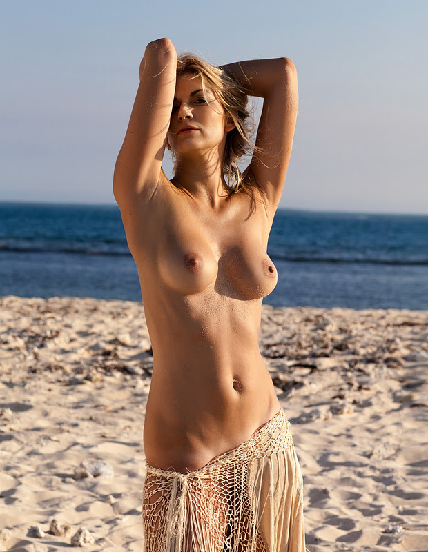 Playboy Nina Bott Nude