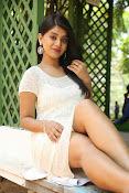 Yamini bhaskar glam pix-thumbnail-5