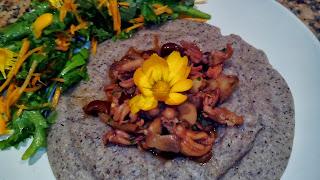 delizia di saraceno ai funghi ed erbe di campo
