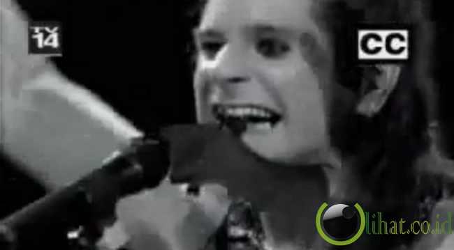 Gigitan Kelelawar Ozzy Osbourne