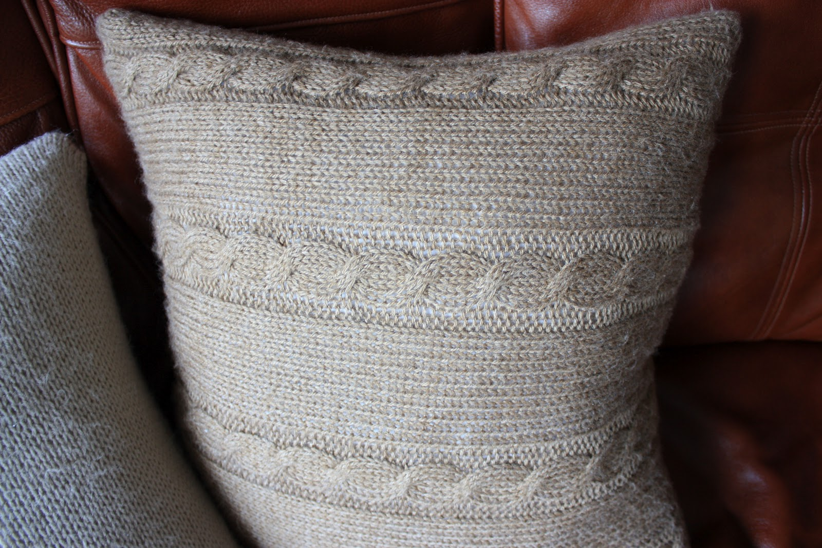 Knitting Stitches To Cm : Natis Little Things: Knitted cushion covers