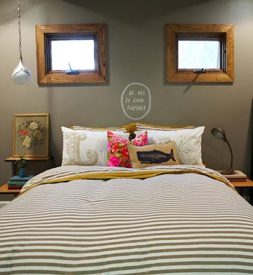 quarto de casal com parede marrom tinta lousa