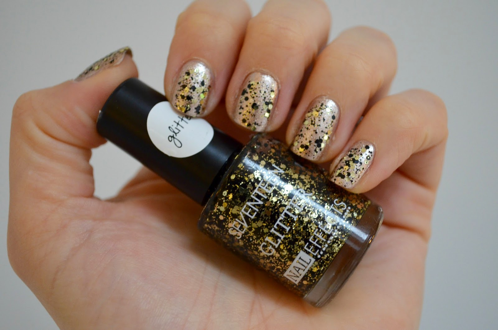 gold and black glitter SEVENTEEN.jpg