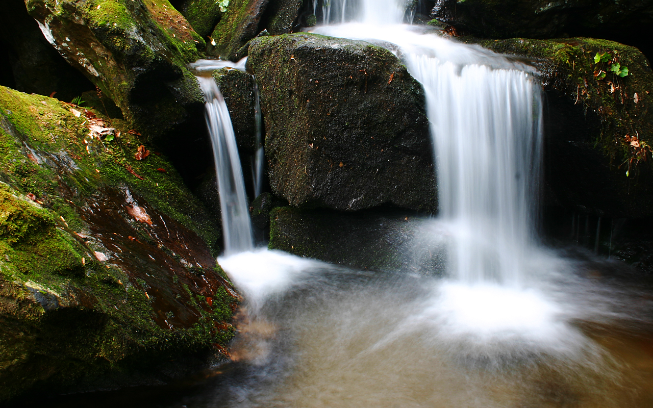 http://1.bp.blogspot.com/-xCTSukMBhxA/Tcb86L1M27I/AAAAAAAABNs/v5APYpgpkxY/s1600/Waterfall_3.jpg