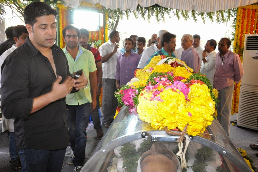 Celebs Pay Homage to Rama Naidu-HQ-Photo-17