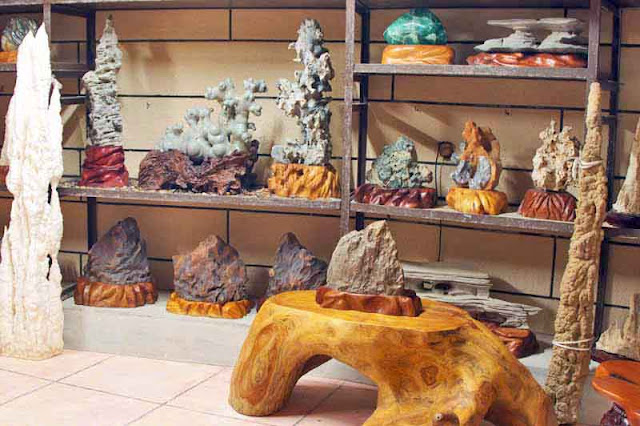 stone carvings, stalagmite, shelves