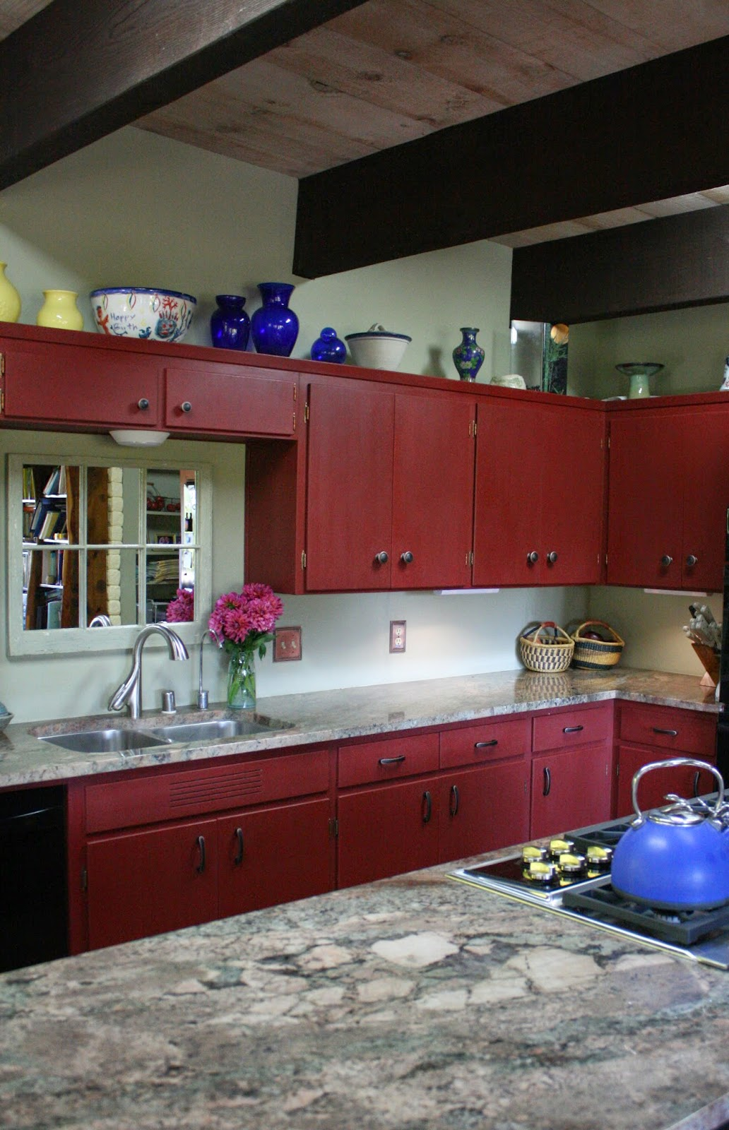 painting kitchen cabinets red