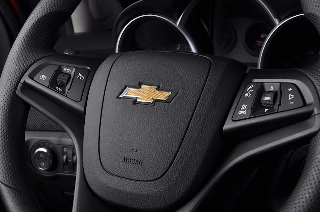 Chevrolet Cruze Sport LTZ Hatch - volante