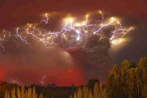 Lightning Strikes, lightning