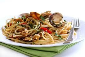 Espaguetis con almejas, almejas y fideo, pasta con almejas, recetas marinas, la sugerencia del chef, recetario digital,