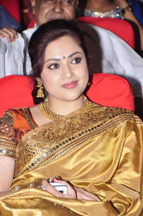 meena in saree latest photos