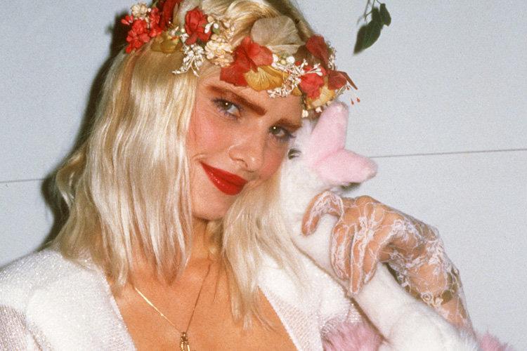 Una pornodiva con i tacchi a spillo 1994 angelica bella 3