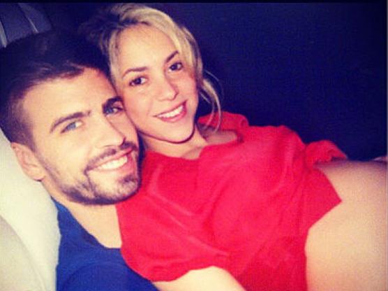 Photo de la chanteuse Shakira enceinte et son amoureux Gerard Piqué