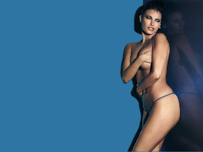 Raquel Welch Bikini Topless Wallpaper