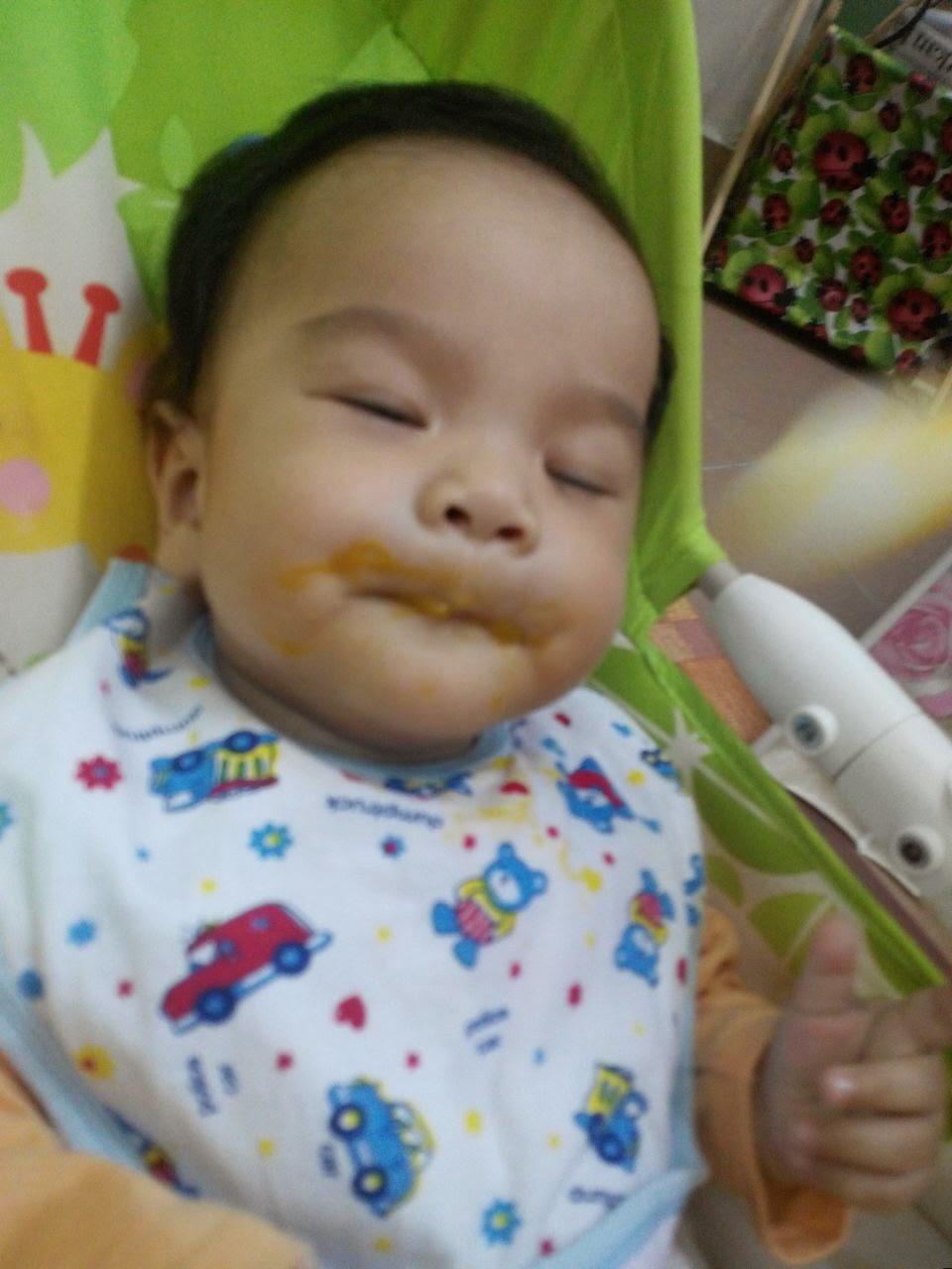 Makanan Pejal Pertama Untuk Bayi