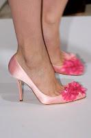 Официални обувки на висок ток с цвете на Оскар де ла Рента
