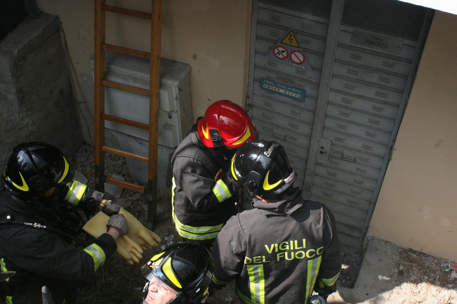 Centroabruzzonews a fuoco cabina enel di un palazzo for Piani di cabina della torre di fuoco