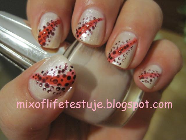 lilia na paznokciach, lily nails