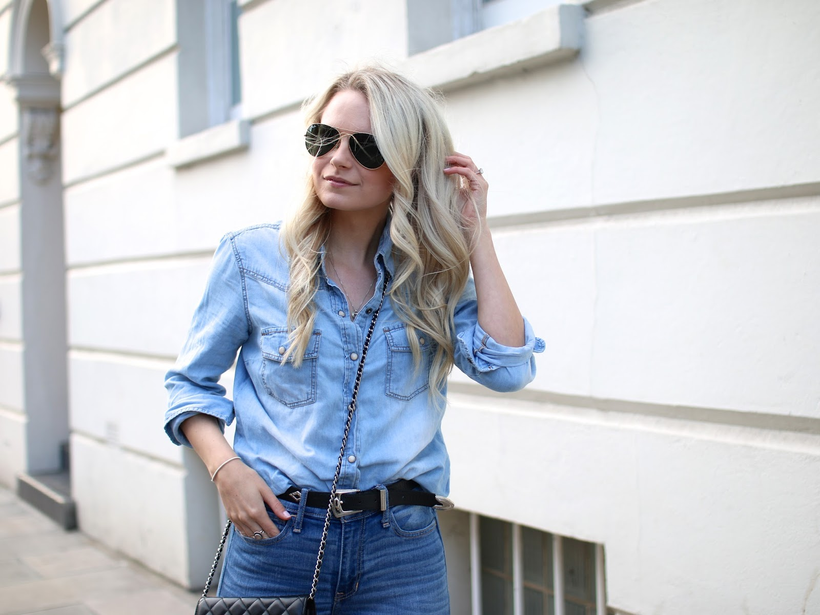 how to style the canadian tuxedo of an all denim look, photos at sunset