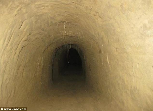 terowong dalam tanah - Tori Black