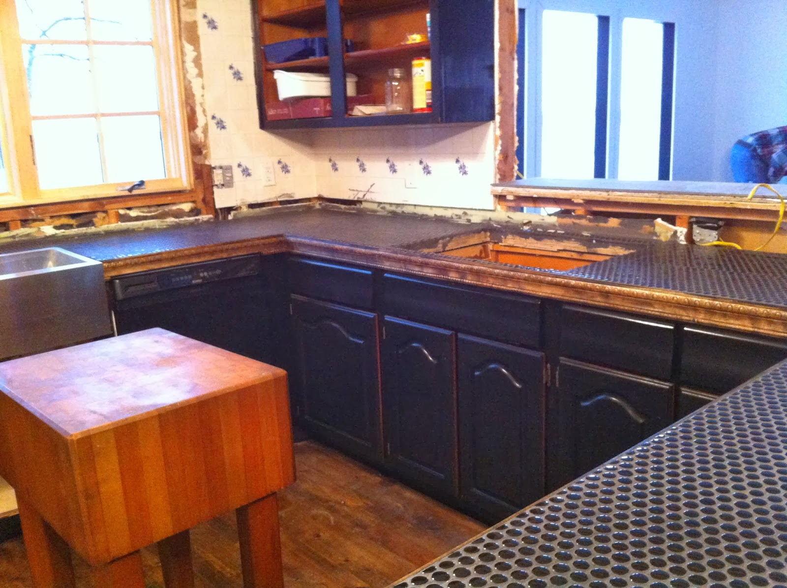 penny tile & slate kitchen counter and farmhouse apron sink install