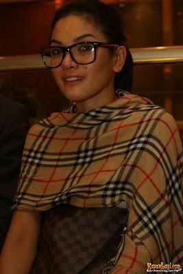 Pemain Film Nenek Gayung The Movie 2012