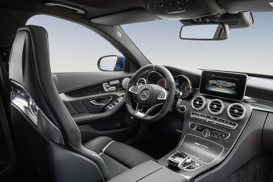 新型「メルセデスベンツC63 AMGエステート」2015