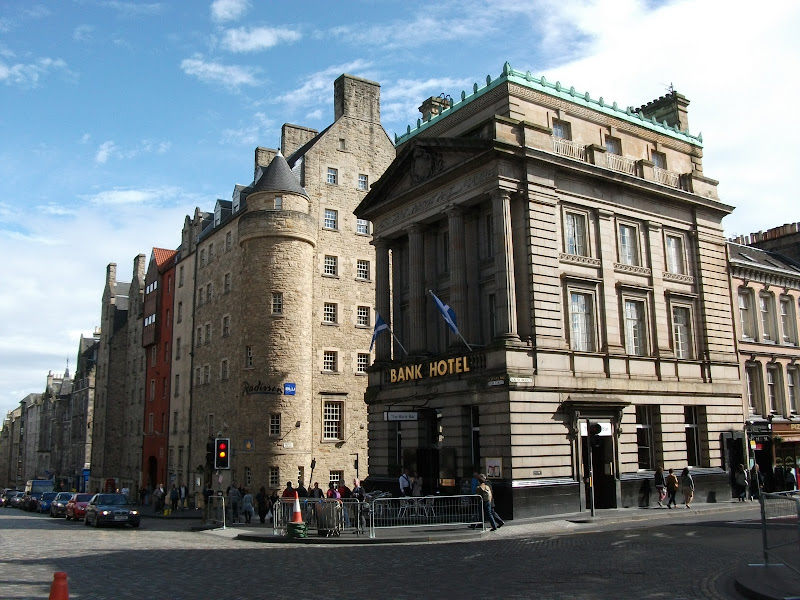 edinburgh is stunning with beautiful tall buildings in the old city title=