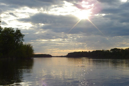 on the rainy river Why should you care about on the rainy river in tim o'brien's the things they carried we have the answers here, in a quick and easy way.