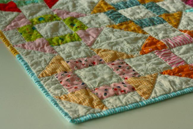 Blue Elephant Stitches: Simply Retro - Churn Dash : retro quilts - Adamdwight.com