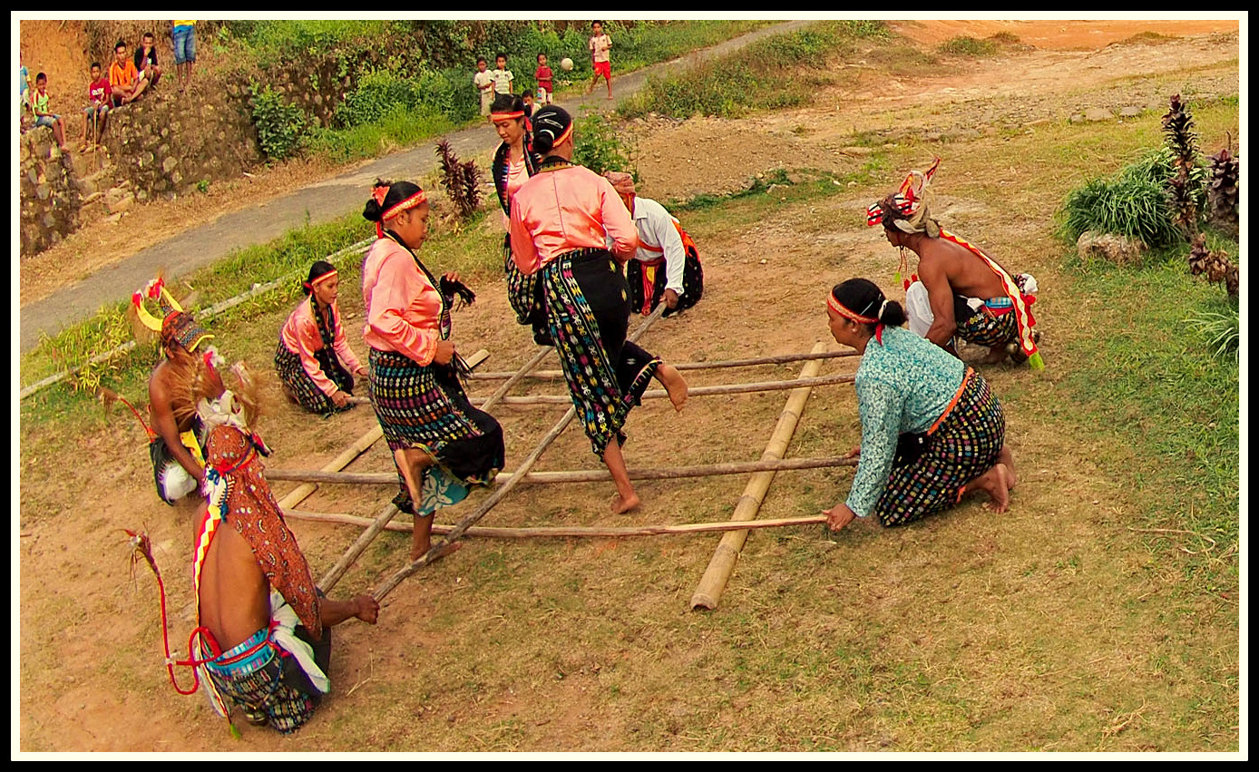 Tari Rangkuk Alu Tarian Tradisional Dari Manggarai Flores Ntt