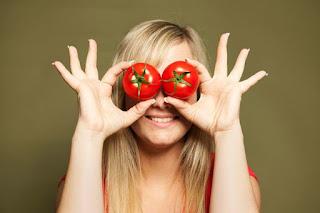 kandungan lycopene dalam tomat bermanfaat untuk kesehatan kulit