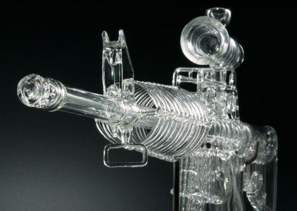 robert thompson armas de vidro escultura