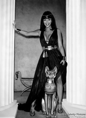 Kim Kardashian - modern sexy Kleopatra photo 1